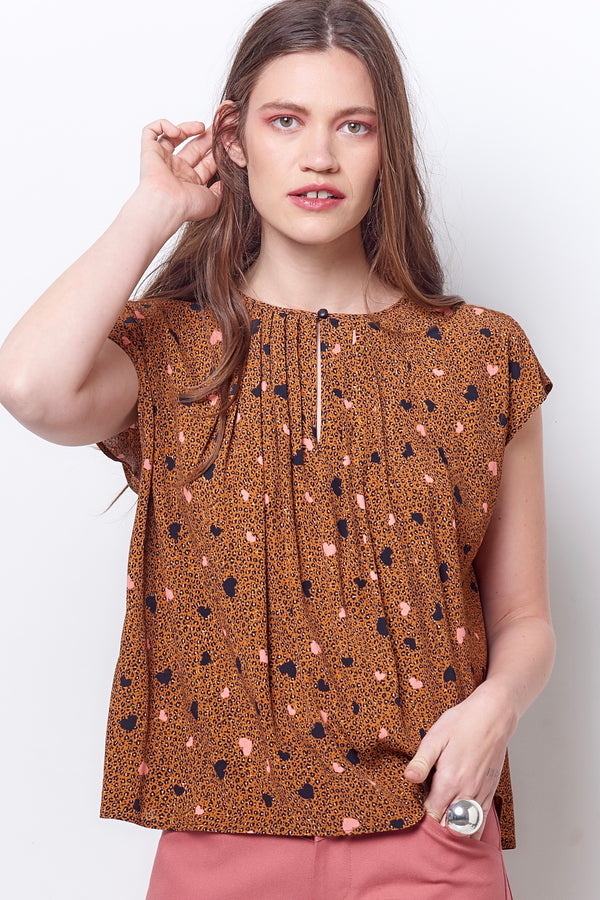 MAGGIE Pleat Neck Top - Leopard/Heart