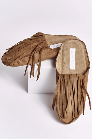 SHELBY Hand Made Raffia slip-ons with tassels