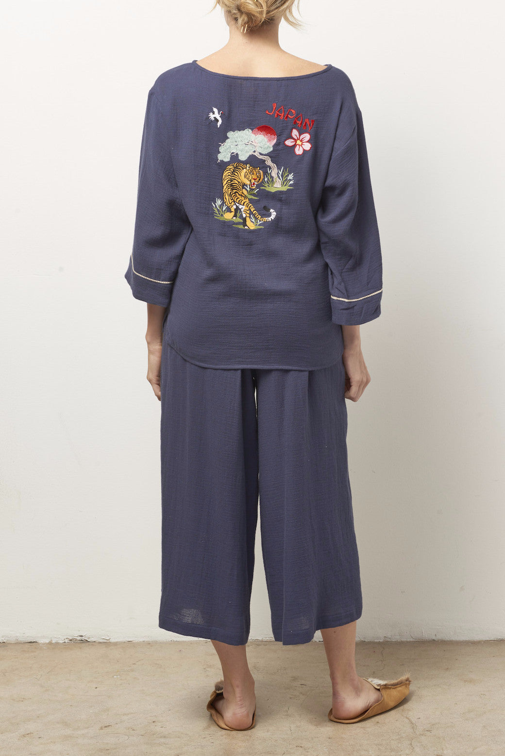 STACEY Silk Souvenir Pajama Set with Embroidered Tiger/Japan