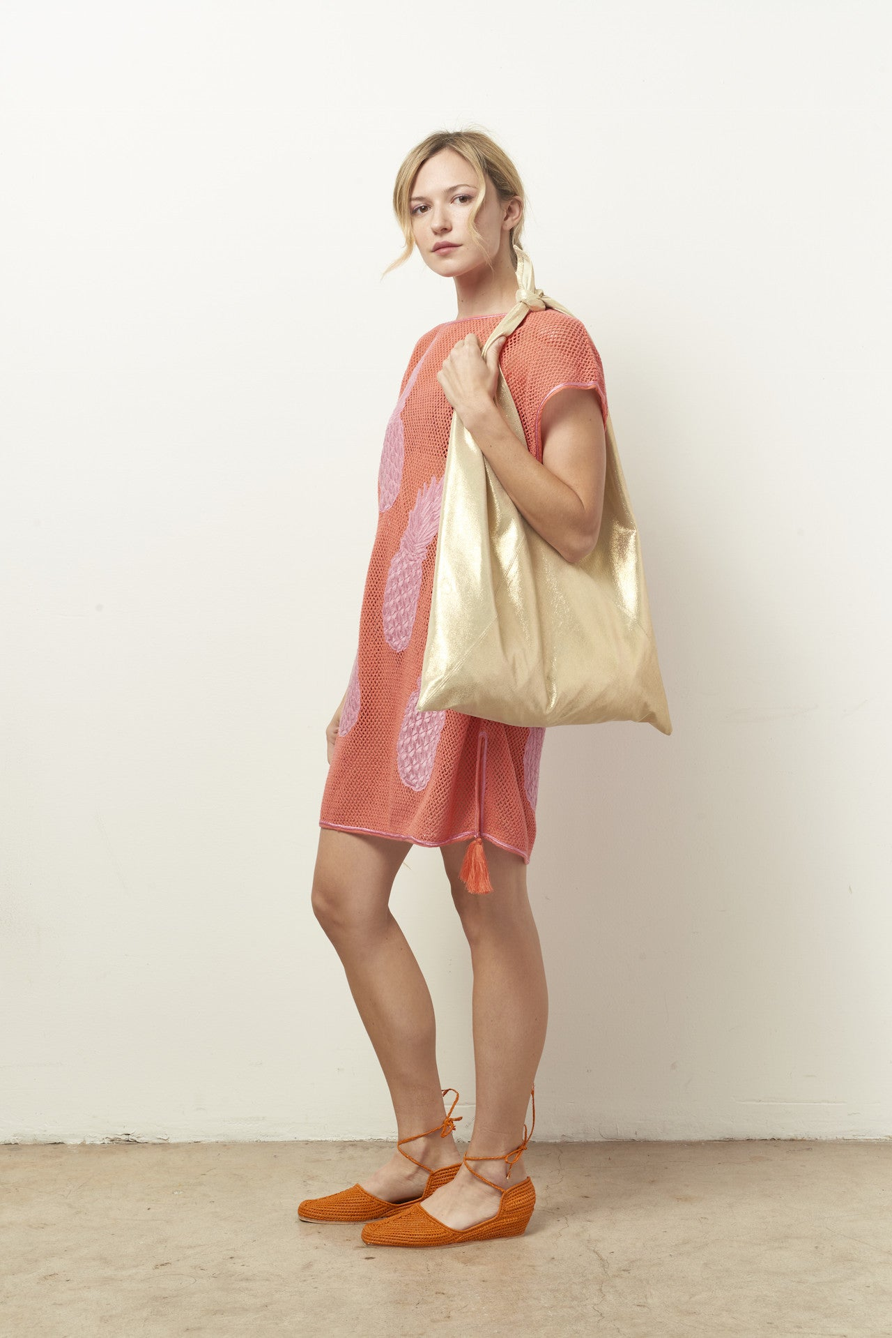 TRIANGLE Metallic leather Tote