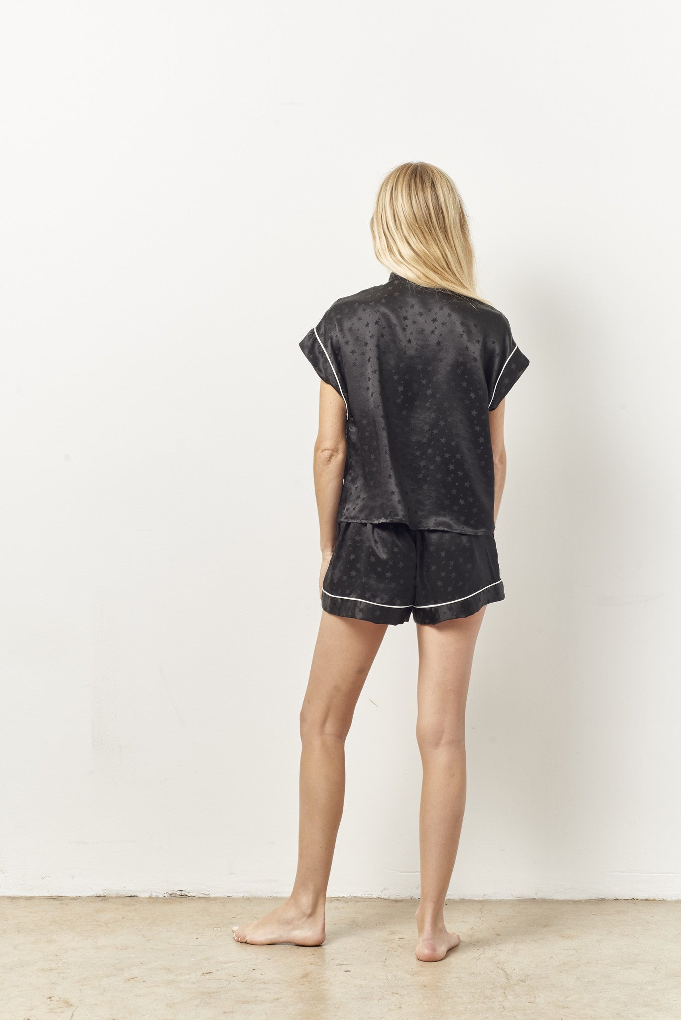 KACEY short sleeve tap set BLACK STAR silk