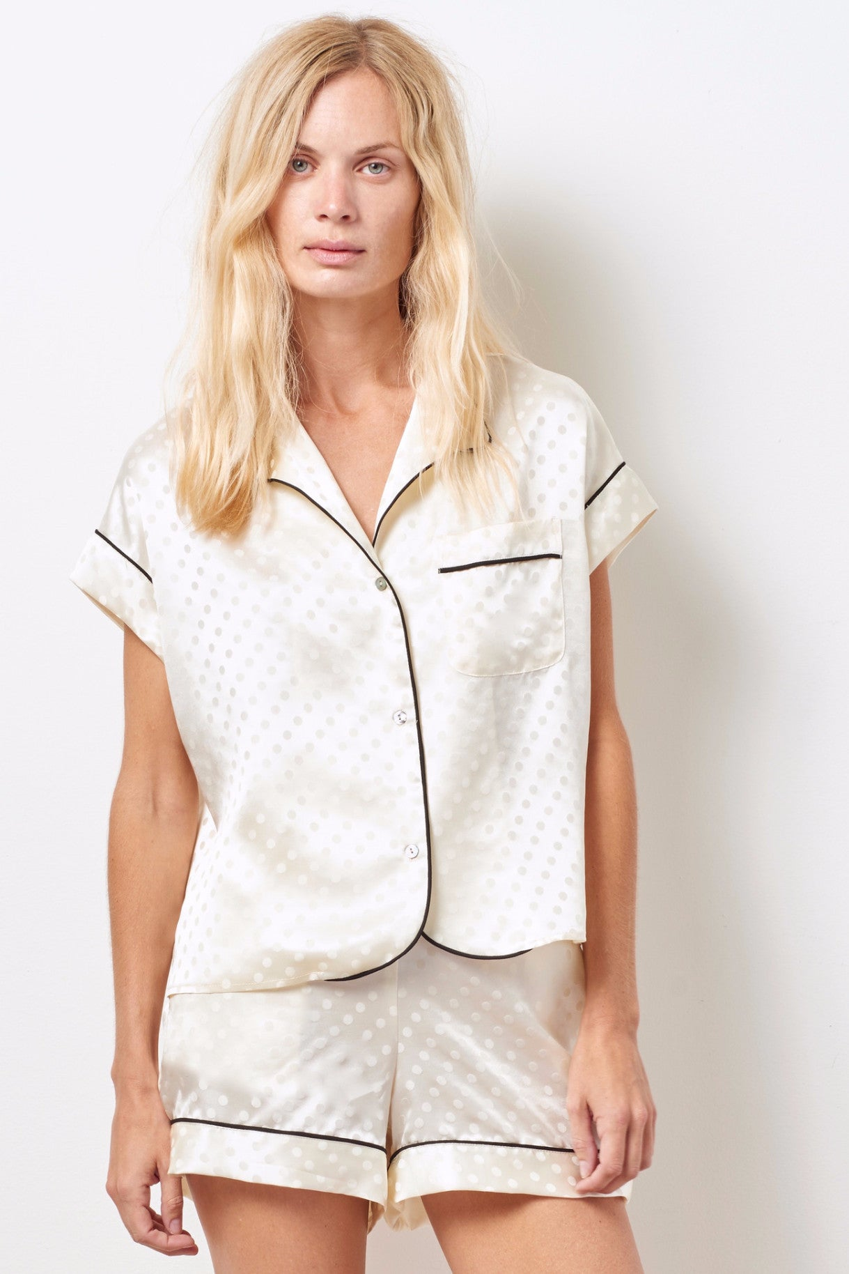KACEY Silk short sleeve tap set IVORY DOT