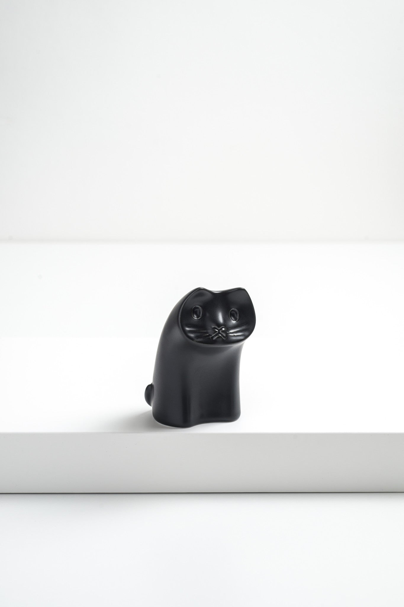 ANIMAL CAT ORNAMENT by Masahiro MORI