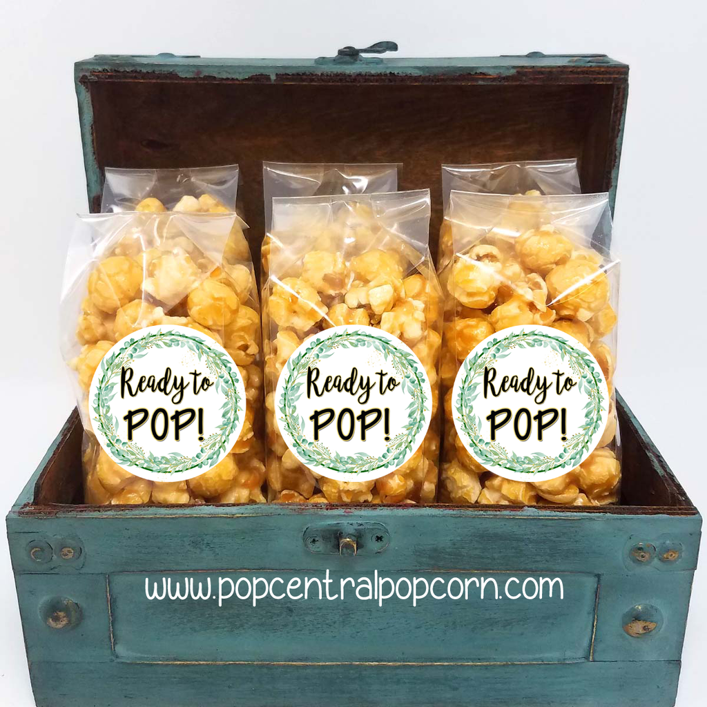 Green and Gold Wreath - Ready to Pop - Popcorn Favor Bags