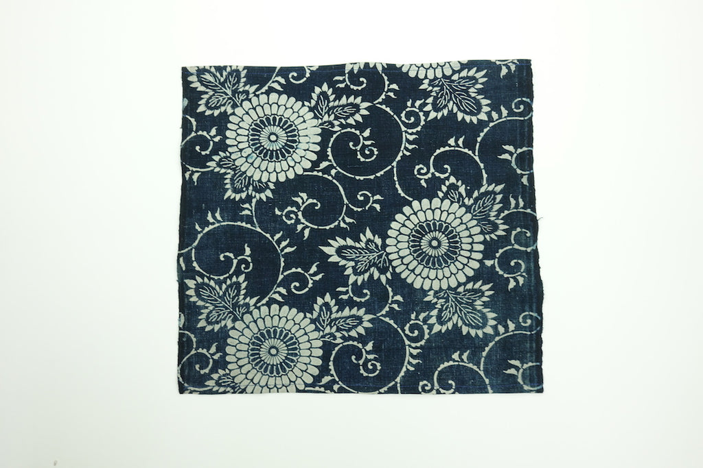 Katazome Pocket Square (Chrysanthemum)