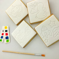 A Paint your own cookie