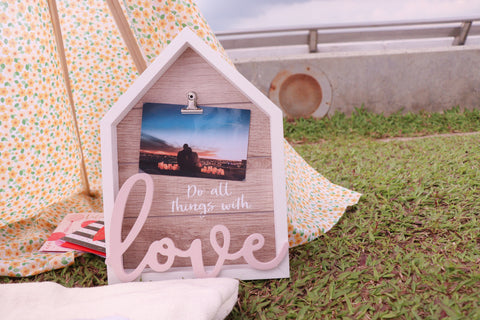 Blogpost Love Photo Frame Decoration at Valentine's Day Picnic Celebration