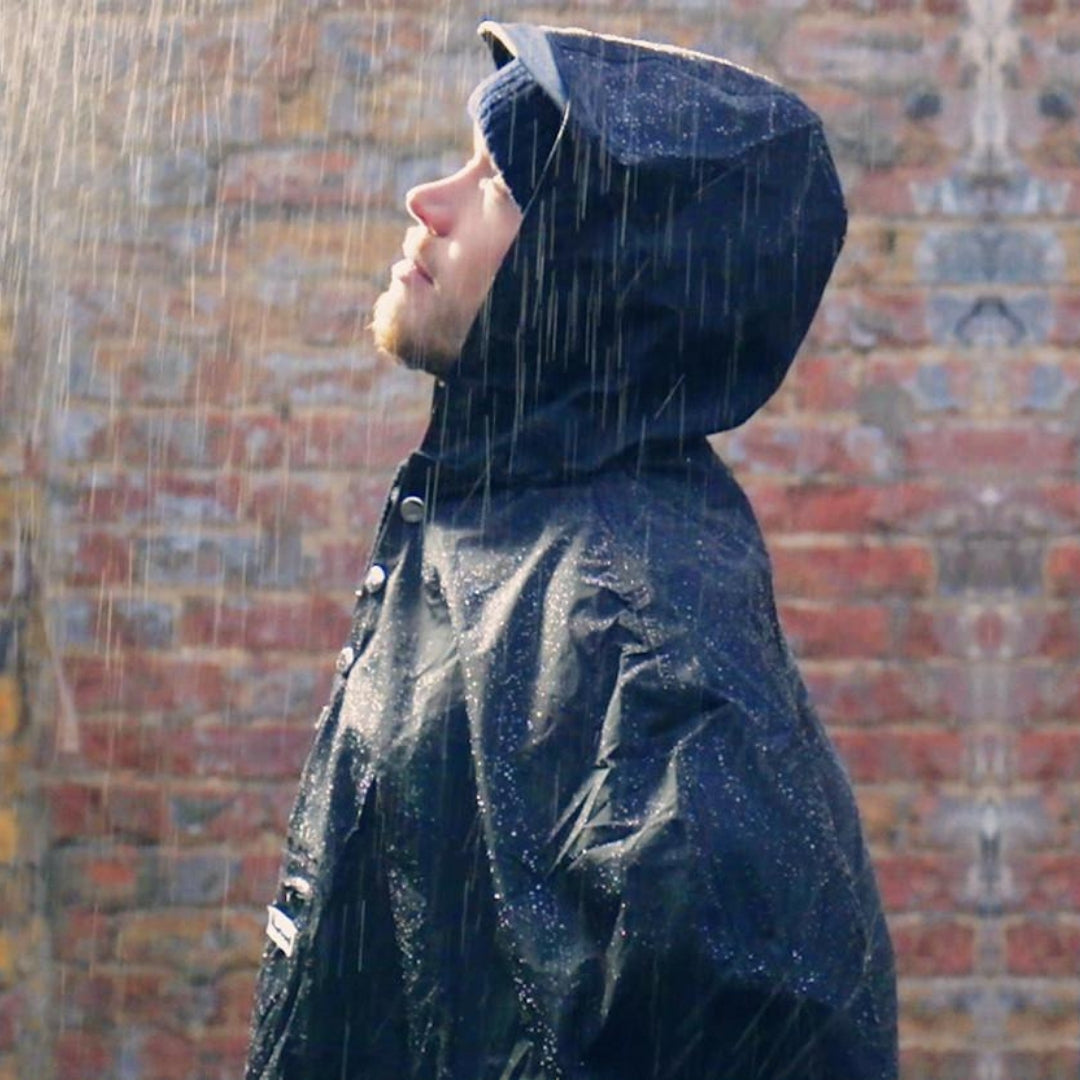 The Peoples Poncho - Black
