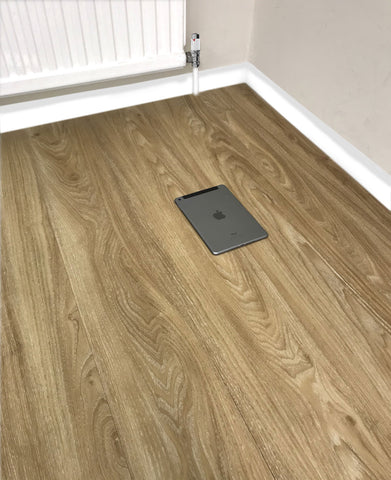 Oak LVT Vinyl Click Plank Flooring - 4.2mm Thick - Water Resistance - 25 Years Warranty