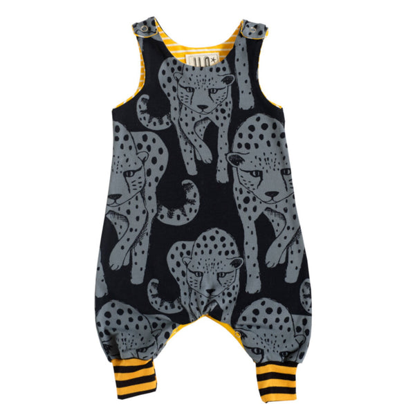 Organic cotton babygrow with cheetah deisgn.