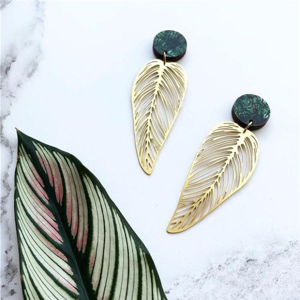 Stud Earrings Green Disc Gold Leaf