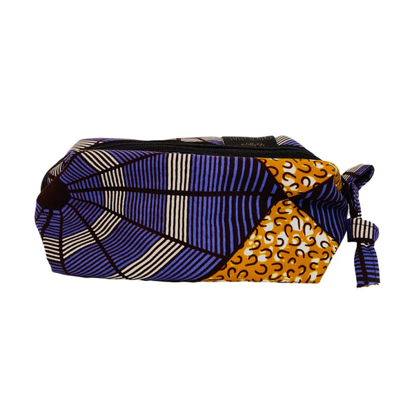 2021 12 month planner with floral cover.