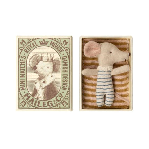 Baby boy mouse in matchbox with bedding