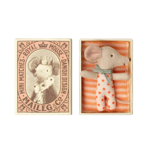 Baby girl mouse in matchbox with bedding