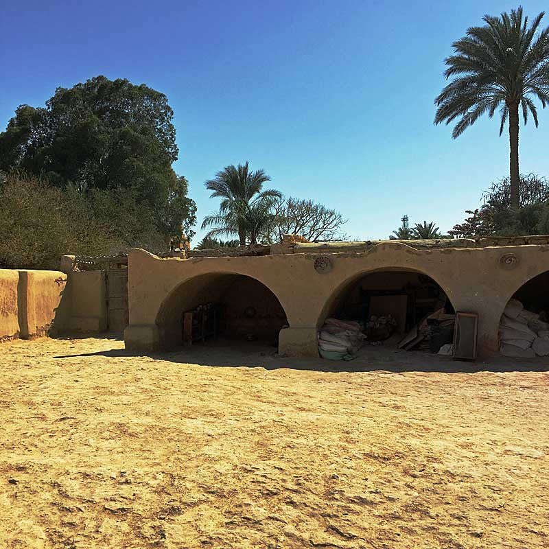 my-visit-to-the-charming-fayoum-pottery-school-pomegranate-blog-arches