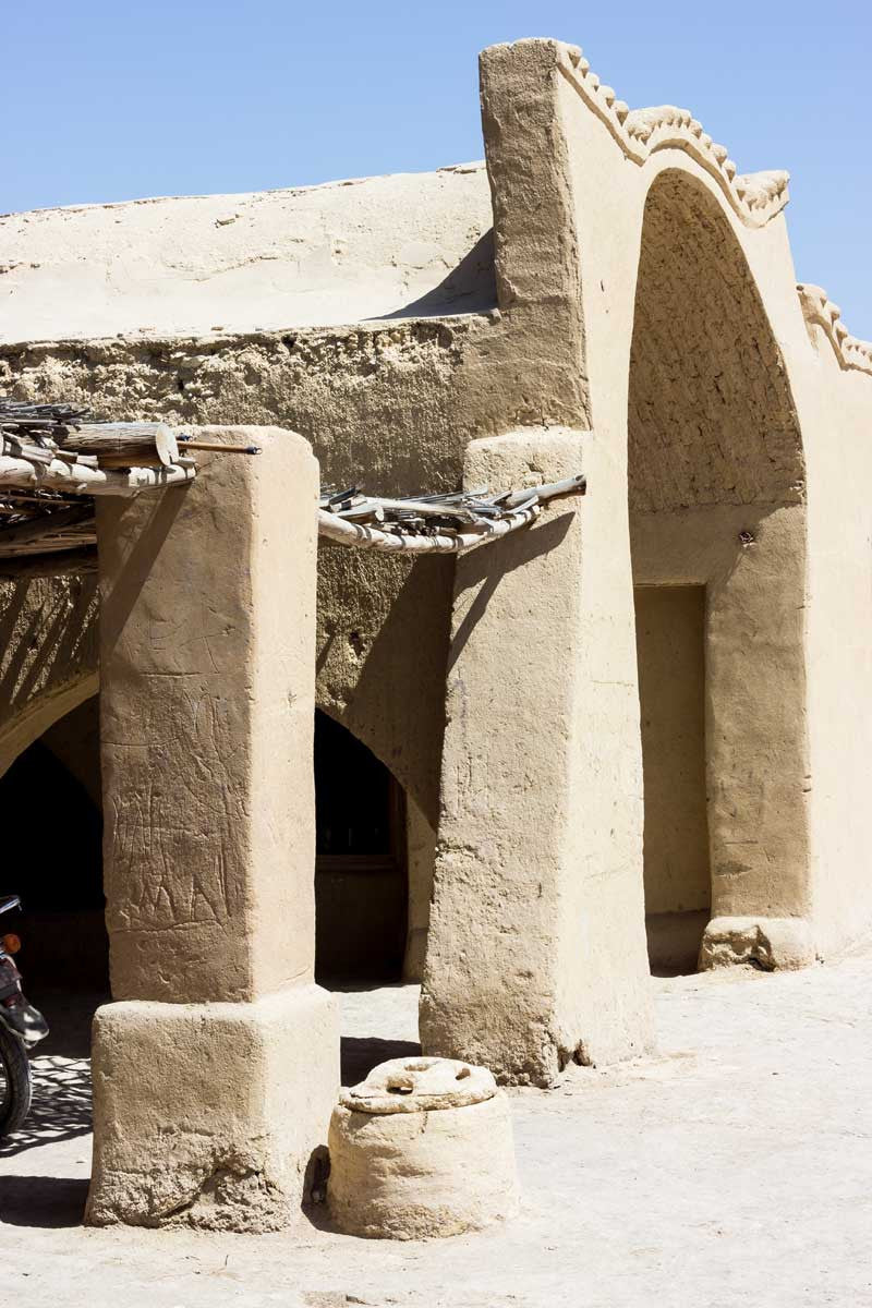 my-visit-to-the-charming-fayoum-pottery-school-pomegranate-blog-large-arch