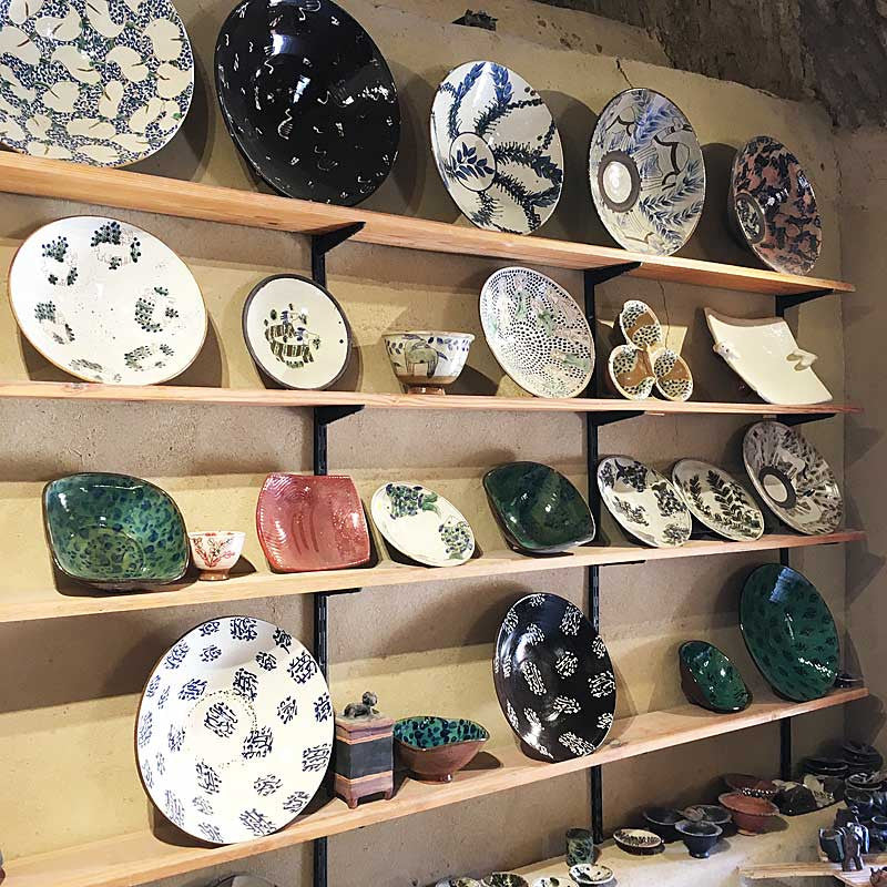 my-visit-to-the-charming-fayoum-pottery-school-pomegranate-blog-shop-shelves