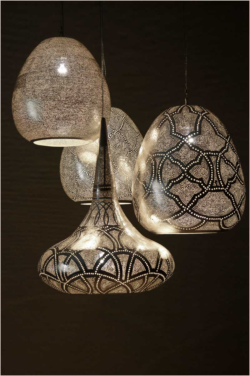 A good example of mixing patterns with Zenza lamps