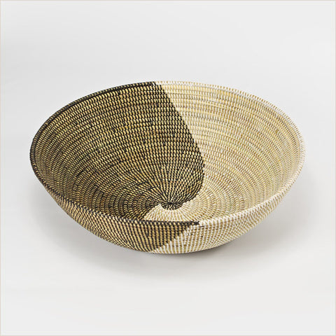 Artisanne Oversized Bowl with Ying Yang Design