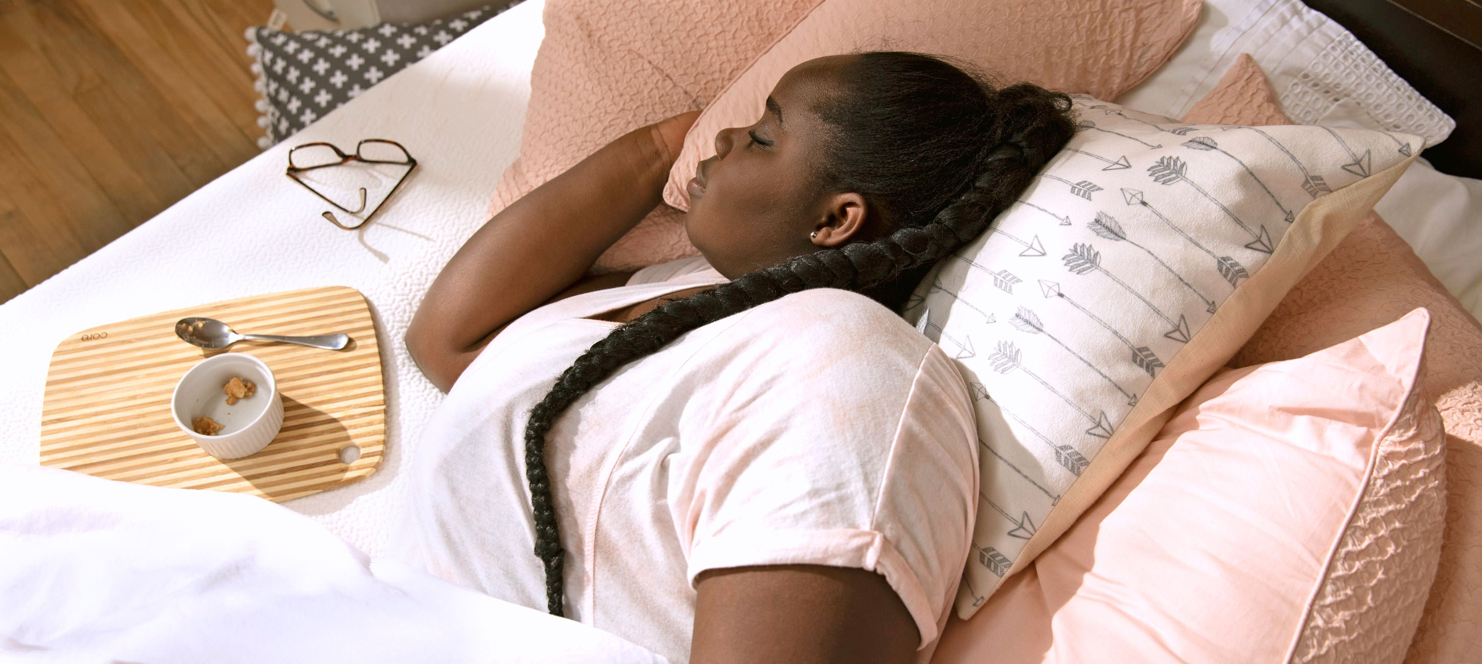 Woman sleeping on the side on her Polysleep mattress