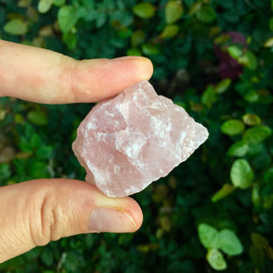 Rose Quartz Tumble Stone - Sparkle Rock Pop
