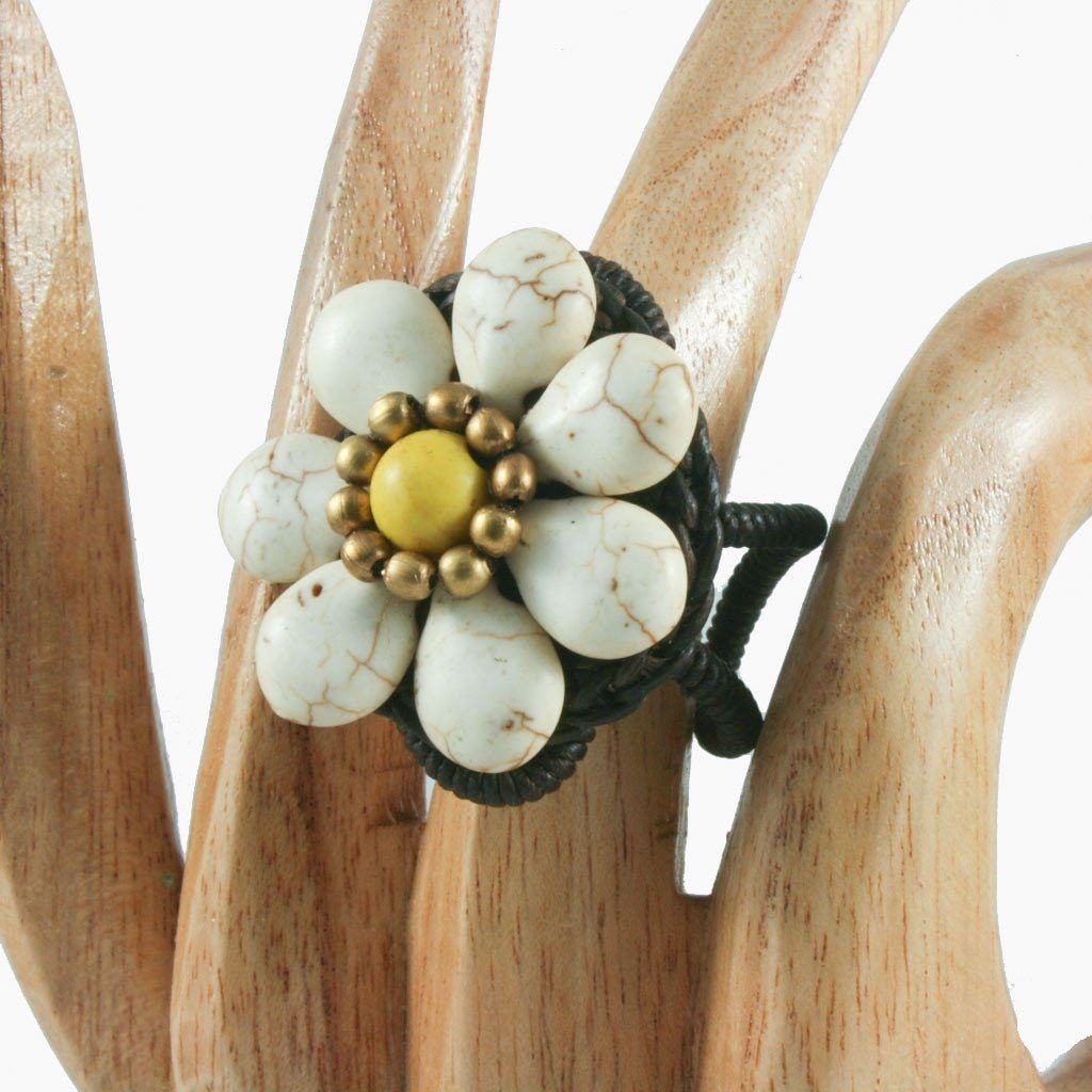 Stone daisy ring | Ring - The Naughty Shrew