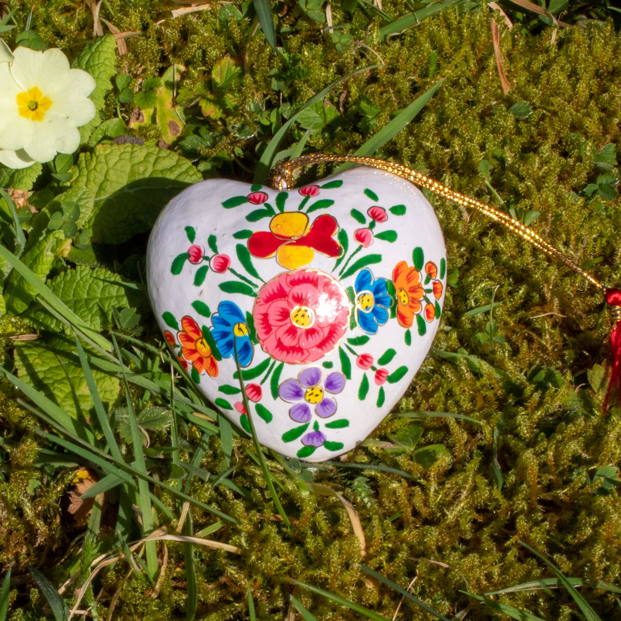 Spring/Easter Decoration - White Heart With Painted Flowers | Decoration - The Naughty Shrew