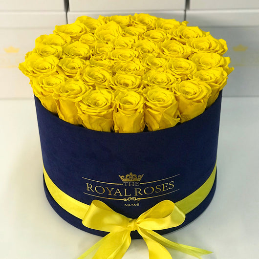 Real Long Lasting Roses- Round Box - Lifetime is Over 1 Year - The Royal Roses