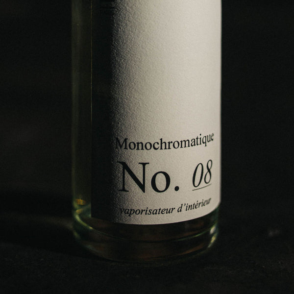 No. 08 - Monochromatique