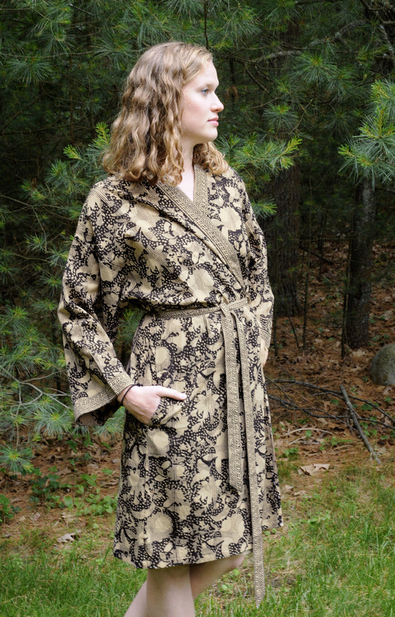 Short Kimono in Black and Tan Shadows