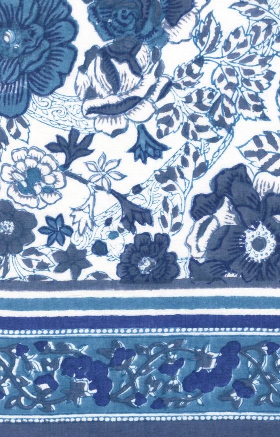 Scarf in Blue Roses