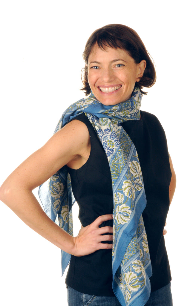 Scarf in Blue Trellis