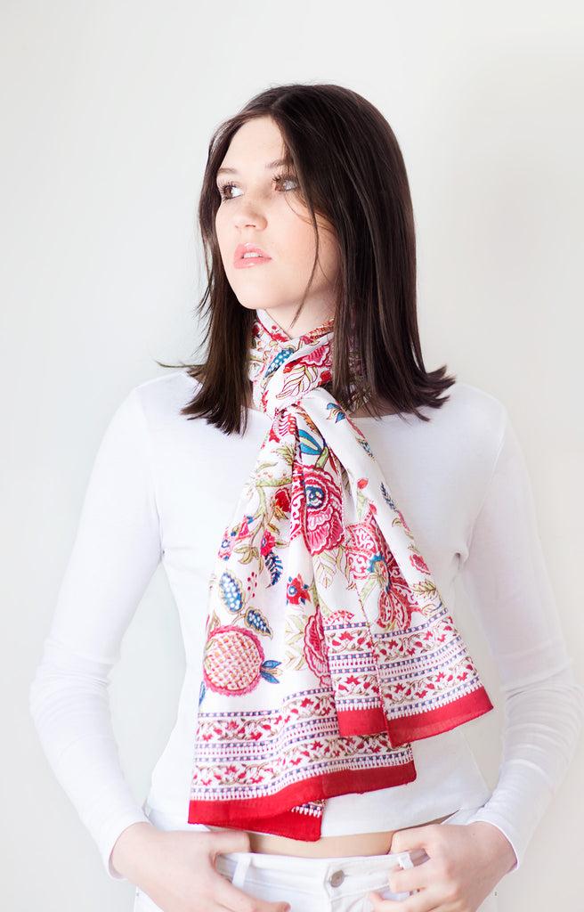 Scarf in Brilliant Floral