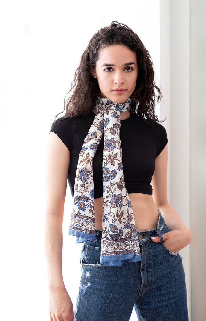Scarf in Colonial Floral