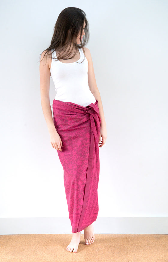Sarong in Electric Mauve