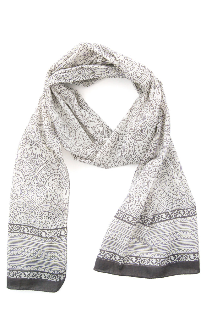 Scarf in Gray Spades