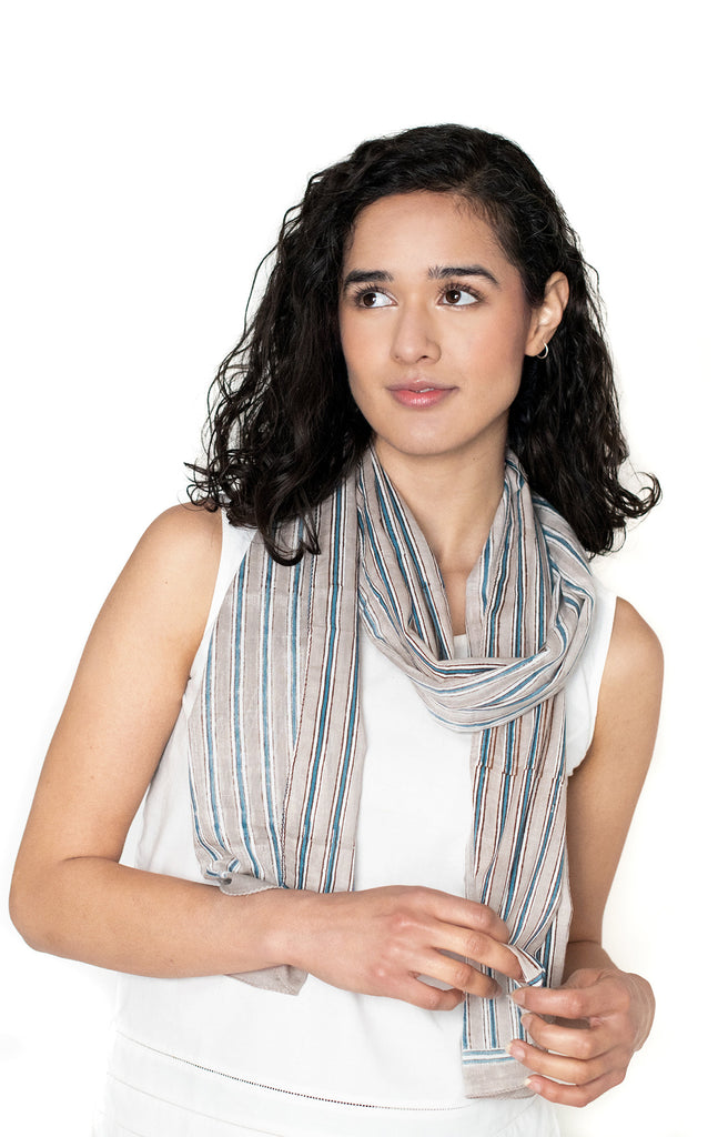 Scarf in Grey Stripe