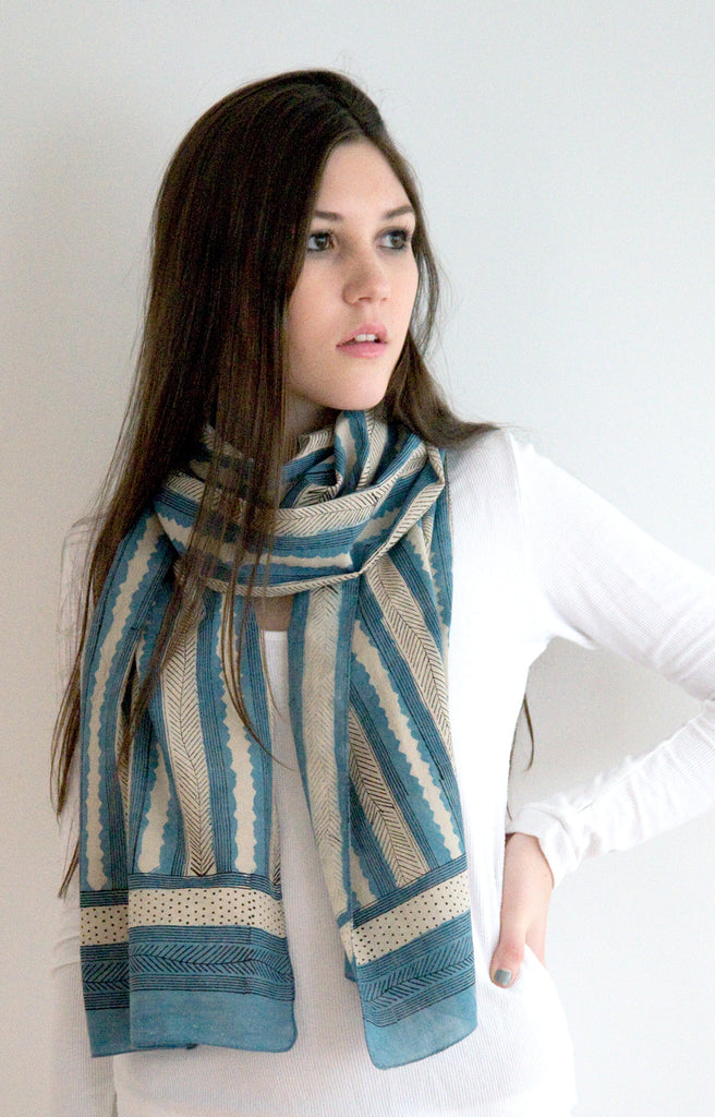 Scarf in Indigo Feather
