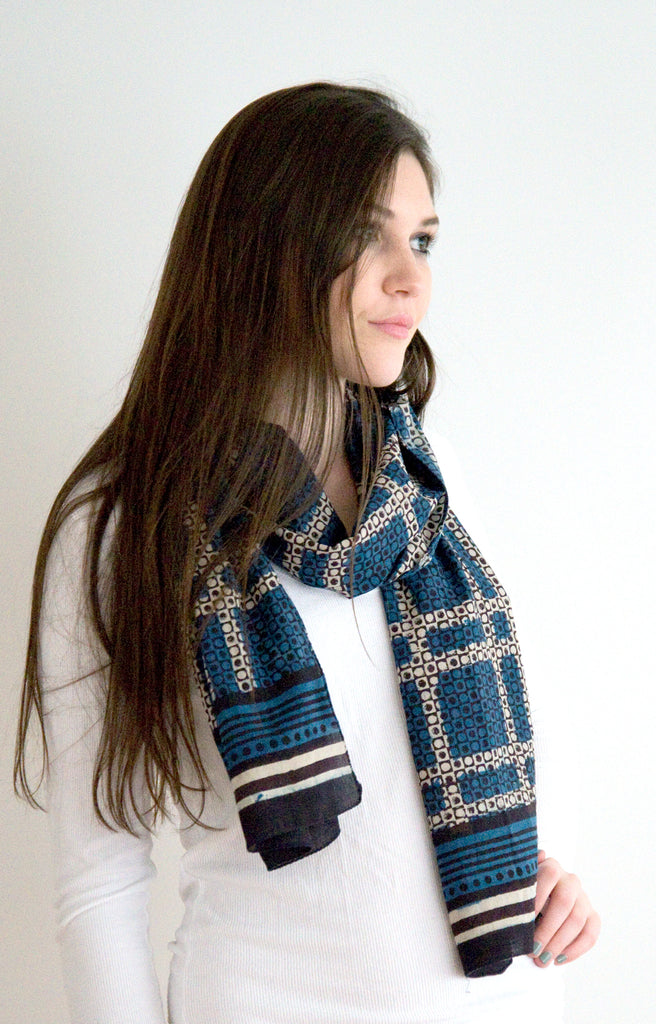 Scarf in Japanese Grid