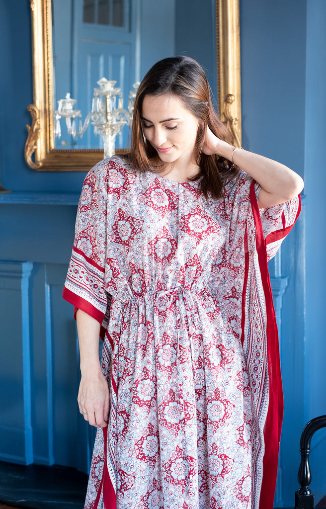 Drawstring Kaftan in Japanese Red