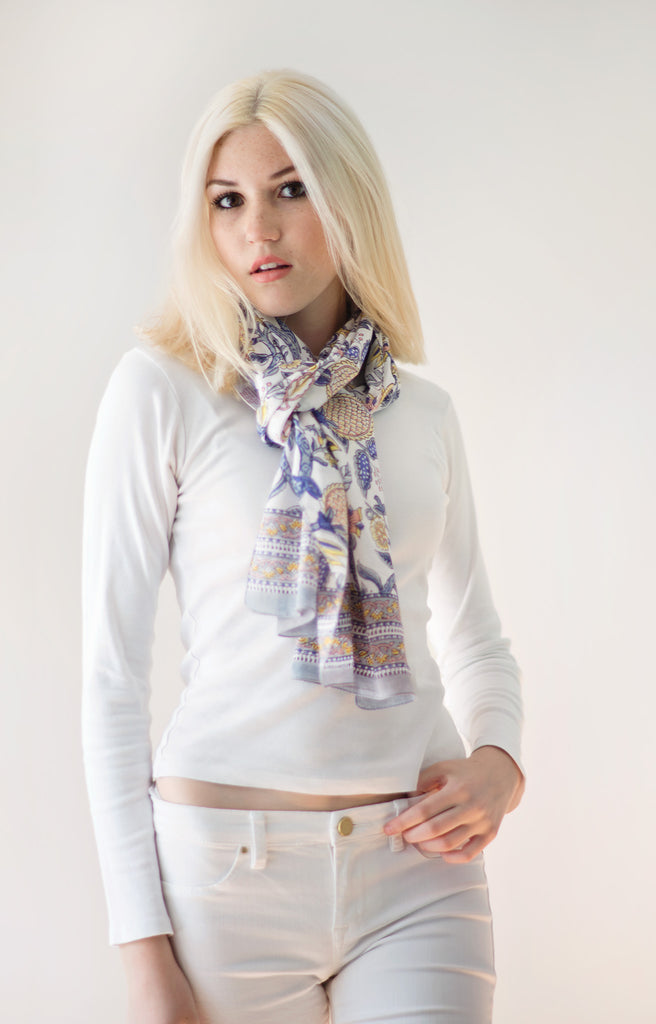 Scarf in Powder Floral