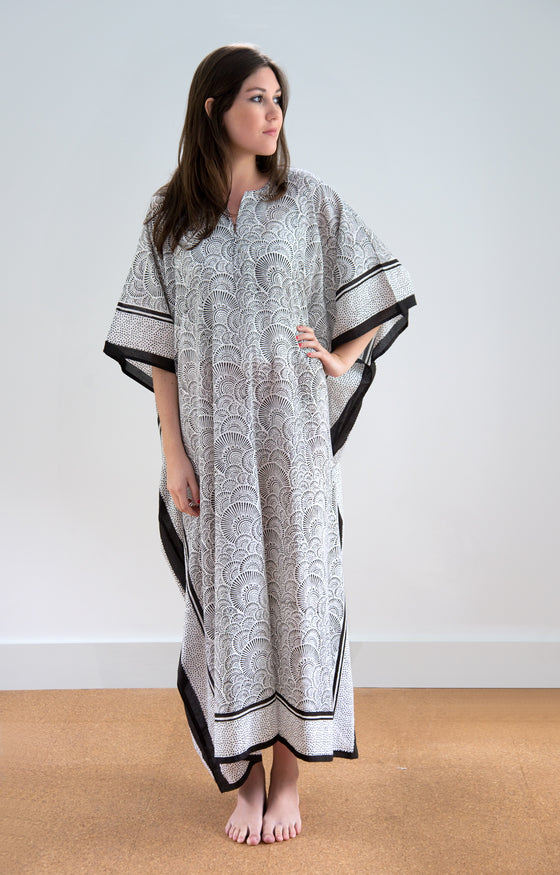 Kaftan in Ripples Black