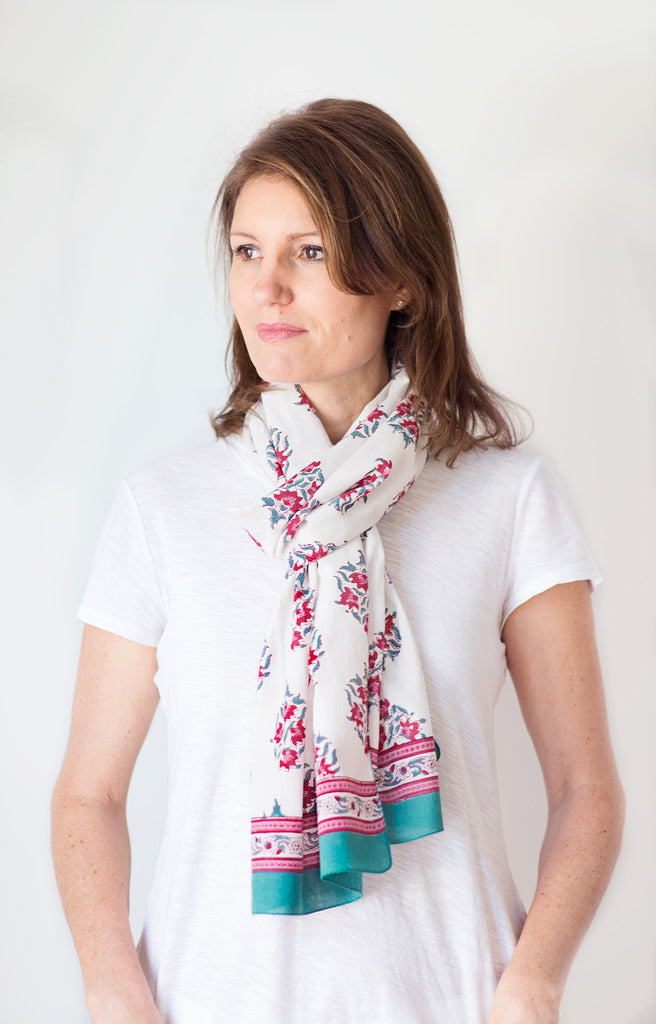 Scarf in Rosy Posy