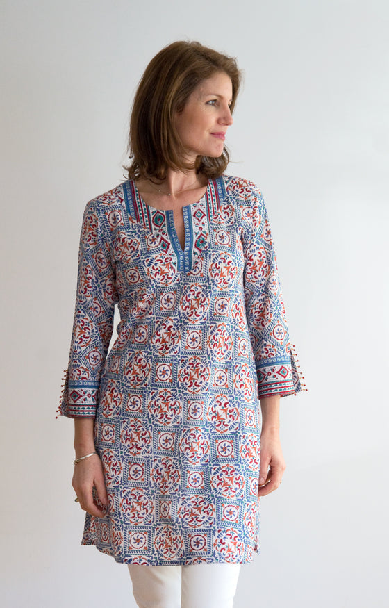 Bias Tunic in Scandinavian Kaleidoscope