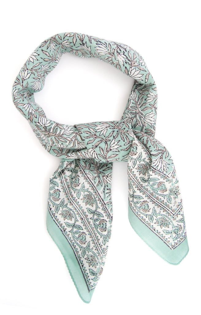 Scarf in Snowdrops