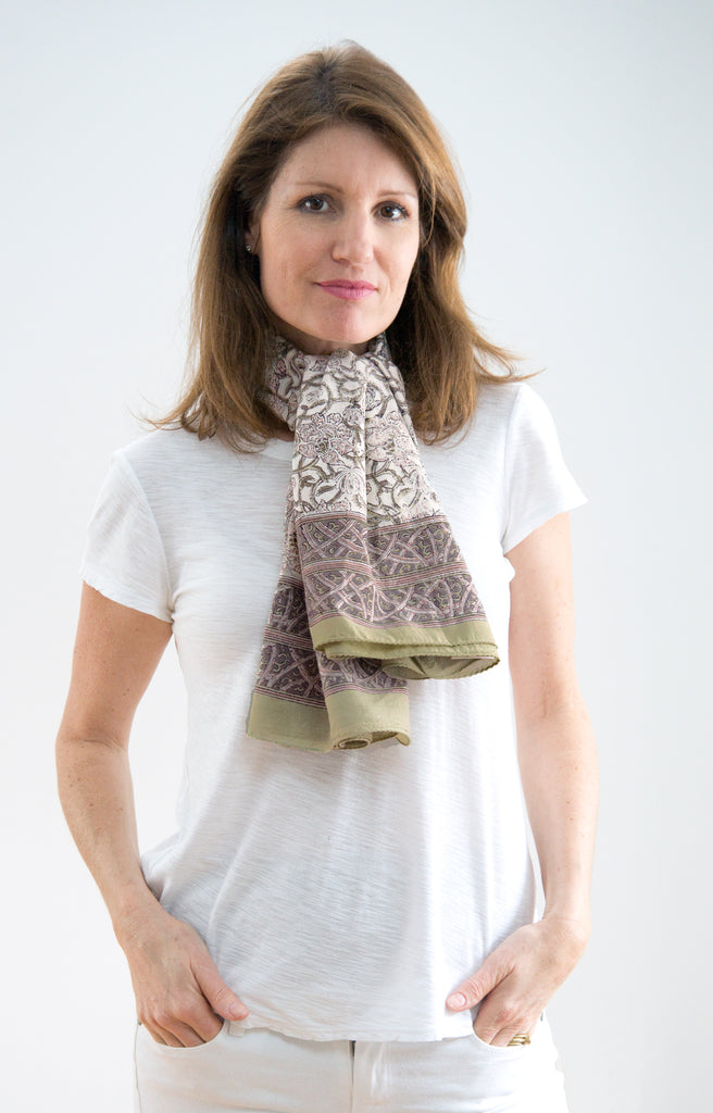 Scarf in Tan Trellis