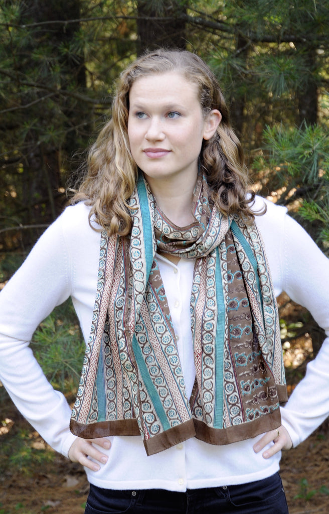 Scarf in Taupe Mosaic