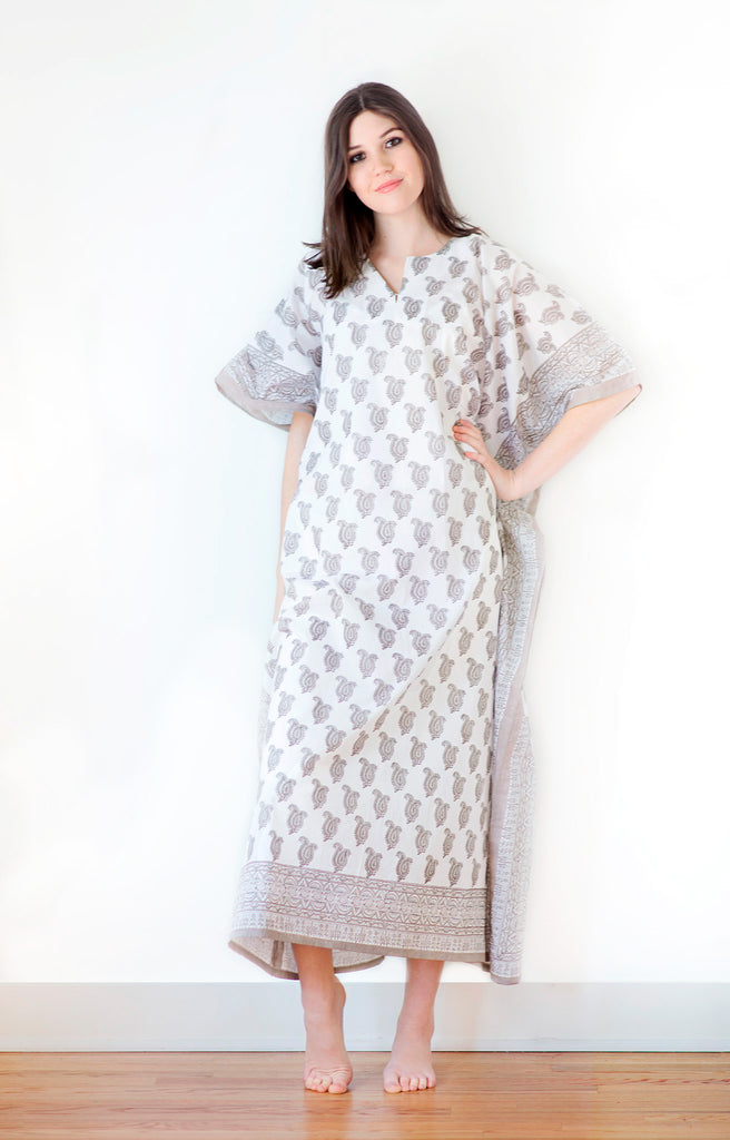 Kaftan in Taupe Paisley