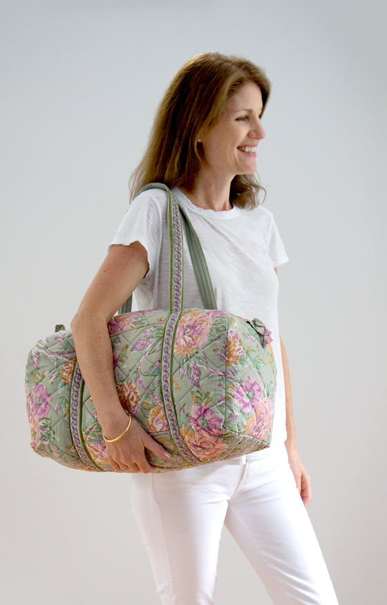 Holdall Bag in Vintage Roses