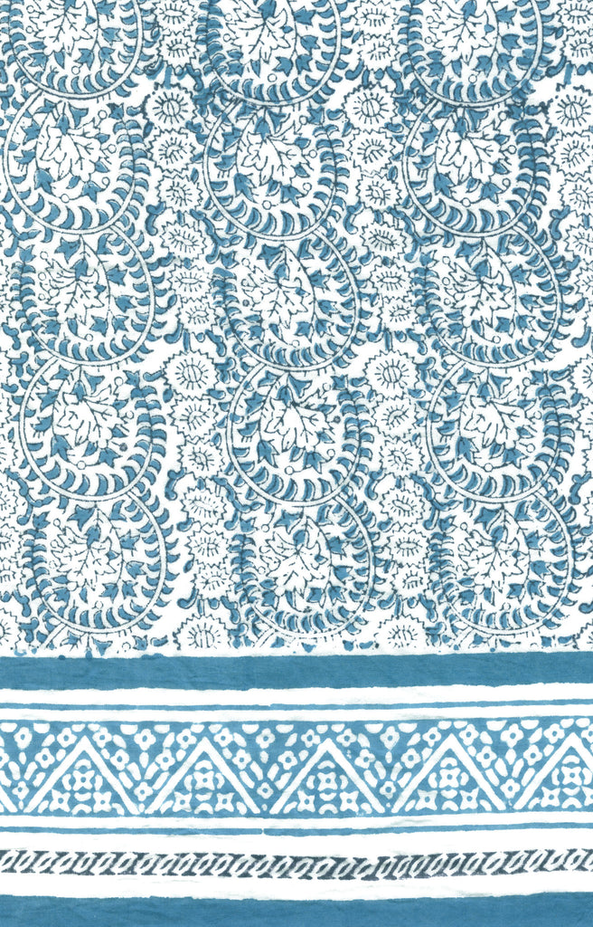 Scarf in Wedgwood Lace